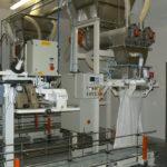 automatyczne pakowanie produktów sypkich z wagą