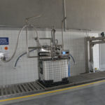 automatyczna rozlewnia produktów technicznych